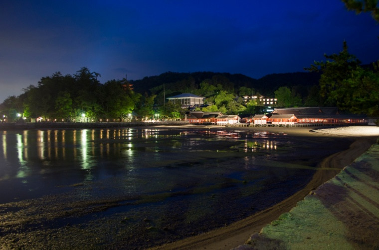 Itsukushima Srine on Myiajima Island at night