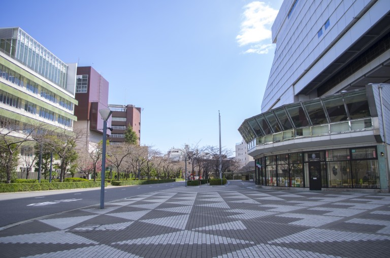 In front of the Tokyo Edo Museum. It was quite empty at that time
