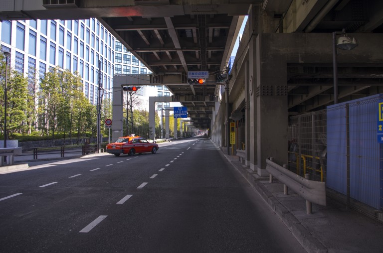Usually busy road, but I was there in the morning at around 8AM, close to Hamarikyu Gardens