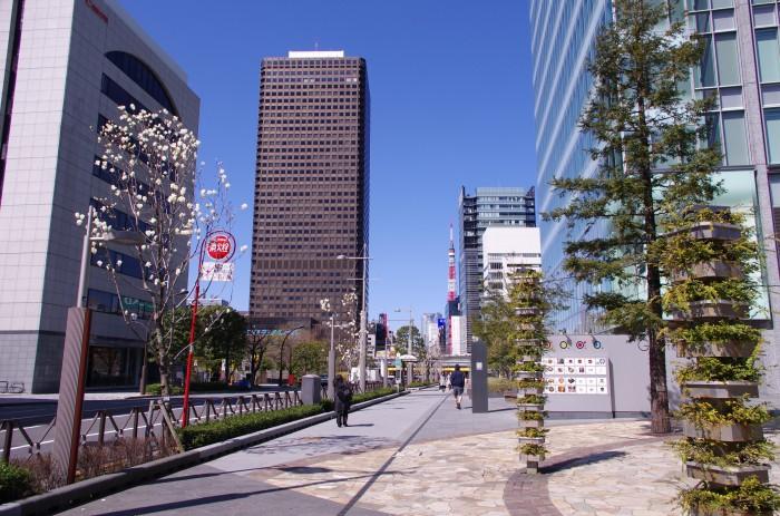 A street leading towards Tokyo Tower from Hamarikyu Gardens